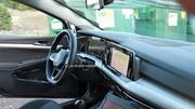 L'intérieur de la Volkswagen Golf 8 en fuite !