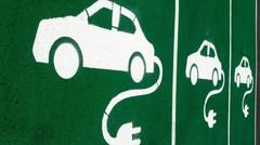 Voiture électrique : attention à la charge à domicile !