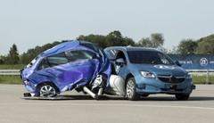 L'équipementier ZF a testé l'airbag latéral extérieur