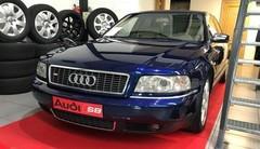 Marche arrière : La Audi S8 D2
