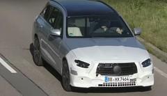 Un repoudrage en préparation pour la Mercedes Classe E