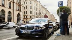 BMW lance sa Série 5 hybride rechargeable améliorée
