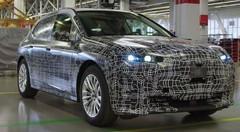 BMW iX5: le futur SUV 100% électrique se dévoile (un peu) plus