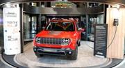 Le Jeep Renegade hybride rechargeable exposé à Paris