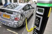 L'hybride rechargeable de Toyota ne convainct pas encore