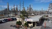 Total va installer 20 000 bornes de recharge… mais pas chez nous