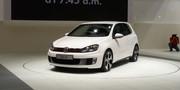 Les stands Volkswagen et Venturi