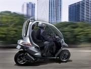 Peugeot HYmotion3 Compressor : Un trois roues hybride avec toit