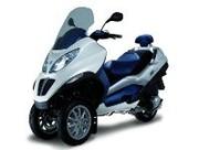 Scooter hybride : le Piaggio MP3 HYS arrive en 2009