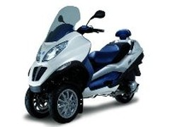 Scooter hybride : le Piaggio MP3 HYS arrive en 2009