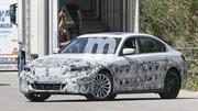 La futur BMW Série 3 électrique surprise en tenue de camouflage