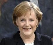 Angela Merkel : L'Europe doit être vigilante sur le plan d'aide américain