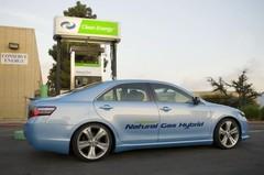 Camry CNG : une Toyota hybride qui fonctionne au gaz