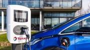 Bornes de recharge: pourquoi Paris choisit Total