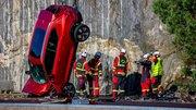 Volvo lâche des véhicules neufs de 30 m de haut pour la bonne cause