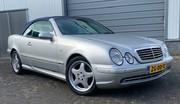 Marche arrière : La Mercedes CLK 320 W208
