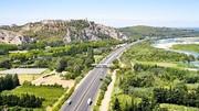 Autoroutes : Le Pen veut les nationaliser, Le Maire fustige l'idée !