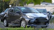 Une carrosserie de Toyota Yaris pour la future Mazda 2