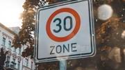 Vous a-t-on menti sur la pollution des voitures à 30 km/h ?