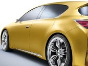 Lexus LF-Ch, compacte hybride et huppée
