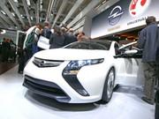 Opel présente l'Astra et l'Ampera électrique