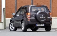 Le Suzuki Grand Vitara s'offre un léger restylage