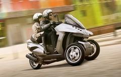 Peugeot Hybrid 3 Evolution : Peugeot se met en trois