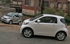Essai Smart ForTwo Brabus vs Toyota iQ 100 VVT-i : Superflues mais grisantes