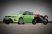 Essai Ford Focus RS vs Aprilia RSV4 Factory : les coups de cœur 2009 de Caradisiac