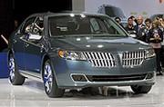 Pas nouvelle, mais pourtant première, la Lincoln MKZ