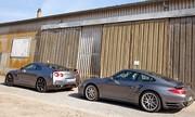 Essai Porsche 911 Turbo vs Nissan GT-R : Hors normes