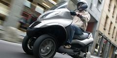 Piaggio MP3 LT : 400 cm³ et un permis auto
