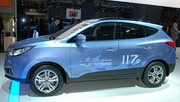 Hyundai ix35 blue drive