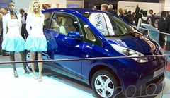 L'électrique franco-italienne Bolloré Bluecar, la joie sous la douche froide