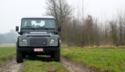 """Essai Land Rover Defender 110 SW SE : C'est du """"Roots"""" qu'il nous faut!"""