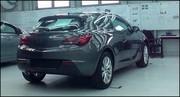 L'opel Astra GTC surprise dans son usine