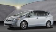 Début de la commercialisation de la Toyota Prius +