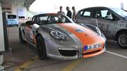 Le Porsche Boxster E fait le plein... de clients potentiels, à Berlin