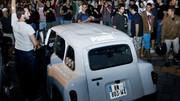 Tous derrière et la Renault 4L devant : Une 4L gagne la Gumball 3000
