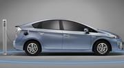 Toyota Prius Hybride rechargeable : Elle branche la prise