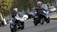 Essai Piaggio MP3 / Quadro 3D : premier match exclusif