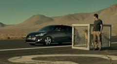 Super Bowl 2012 : le Hyundai Veloster Turbo plus rapide qu'un guépard !