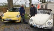 VW Coccinelle 1302 LS (1972) vs VW Coccinelle 1,2 TSI (2012) : dîner de famille chez les coléoptères
