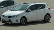 La future Toyota Auris surprise toute nue, une petite rupture stylistique