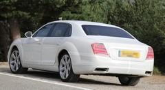 La future Bentley Flying Spur déguisée en Mercedes