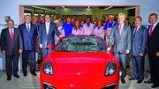 La première Porsche Boxster sort des lignes de production de l'usine Volkswagen d'Osnabrück