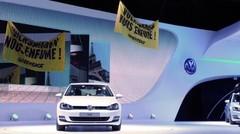 Greenpeace perturbe le show Volkswagen