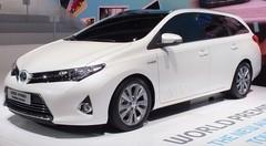 Toyota Auris Touring Sports, premier break compact full-hybride du marché