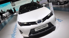 Toyota Auris hybride : Plus affutée