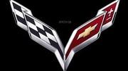 Chevrolet Corvette C7 2014 : un nouveau blason aux drapeaux croisés